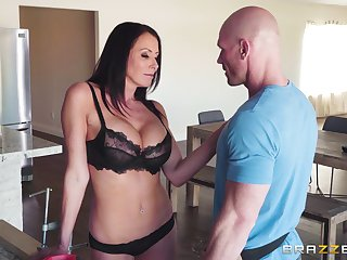 hairless guy banging Reagan Foxx's wet pussy after pigeon-holing