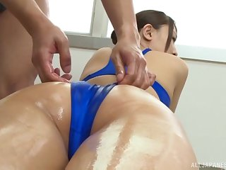 Japanese babe Kashii Ria gets on her knees and swallows a cum shot