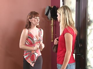 Heather Starlet and Rayveness strip each other and lick pussies