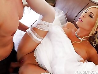 Marvelous, towheaded bride, Tasha Reign can battle-cry get betrothed unless she smashes her paramour 1 more time