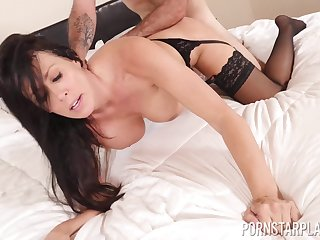 Busty MILF Reagan Foxxx masturbates and eats a whole load of cum