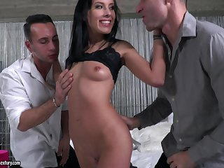 Lexi Layo loves to get double penetrated and to swallow cum