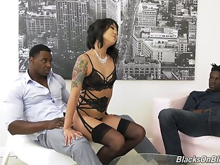 Two black dudes light of one's life anus coupled with pussy of Korean porn model Saya Song
