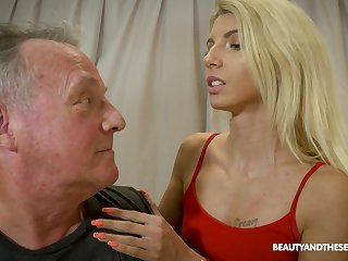 Pretty Missy Luv gets the brush pussy pleased in many ways by a dude