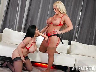 Lesbian Alura Jenson decides to have fun and lesbian coitus with Sheridan Love
