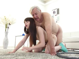 Age-old man sticks his penis up the young niece's hungry cunt