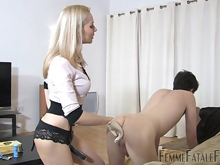 Tied up submissive is fucked off out of one's mind kinky mistress with strapon Eleise de Lacy